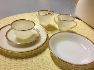 As I find pieces, I'm adding to this set of Fire King dishes to use in my kitchen. Mom gave these to me. She found them in a home they bought in Florida.
